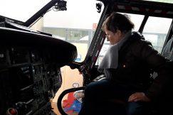 Cockpit d'un hélicoptère militaire