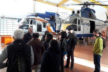Un groupe visitant l'aérocampus de Latresne