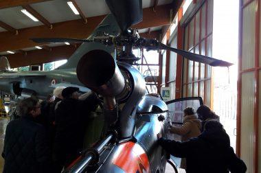 Toucher de l'hélicoptère militaire