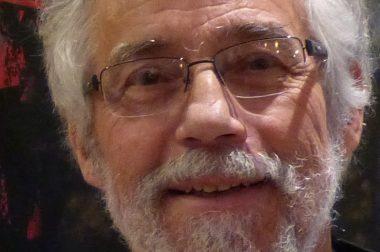 Monsieur Vogel souriant et barbu.