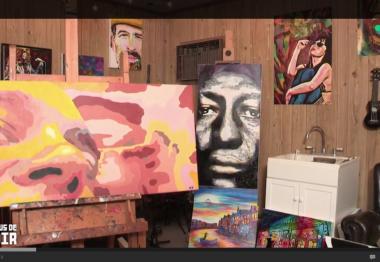 Atelier avec nombreux tableaux