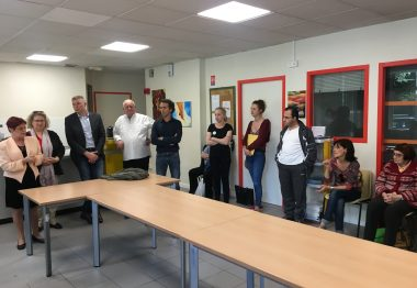 Administrateurs autour table inauguration