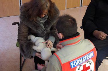 Formation aux 1ers secours avec un enfant