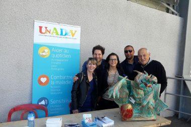 L'équipe du centre régional UNADEV de Perpigan (Isabelle à gauche et Sophie à droite) avec les journalistes de la chaîne beIN sports