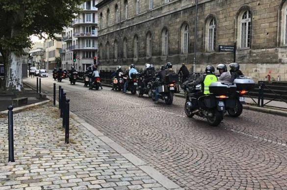 Convoi de motos