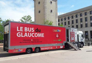 Camion rouge bus du glaucome