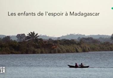Fleuve, pirogue Madagascar