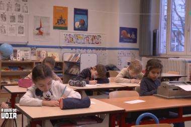 enfants dans classe